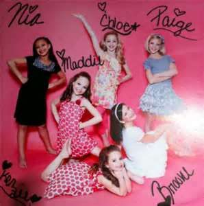 Love their signatures (if you want an edit please comment or repin or like this)