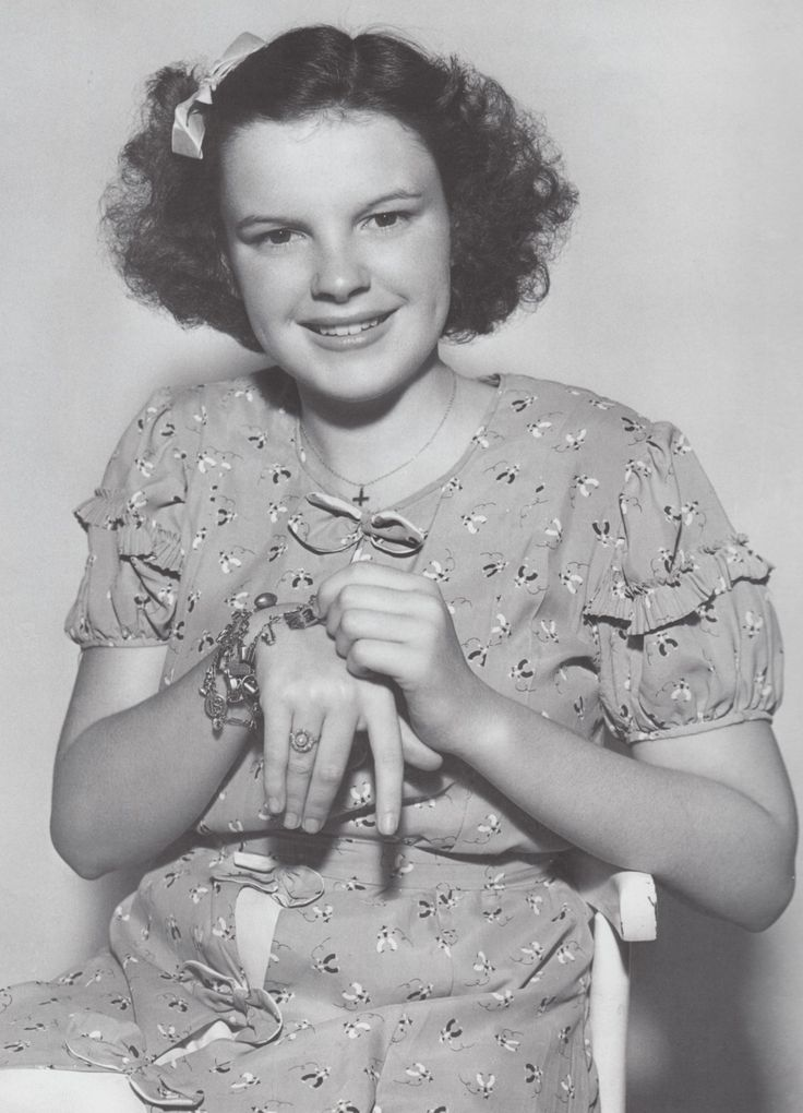 paperspots:    Judy Garland, wearing a charm bracelet from Clark Gable.