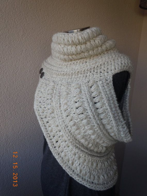 Oooh ivory colored katniss cowl...Etsy listing at https://www.etsy.com/listing/173029688/katniss-cowl-hunger-games-catching-fire
