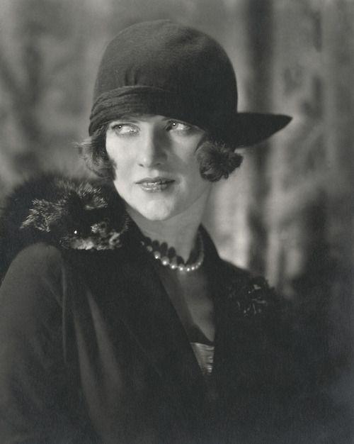 Wonderful look: 1920 S, December 1923, American Vogue, Edward Steichen, Fashion Photography, 1920S, Condé Nast, Fashionphotographi, Sun Hats