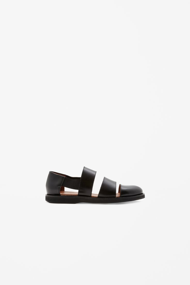 Scored leather sandals