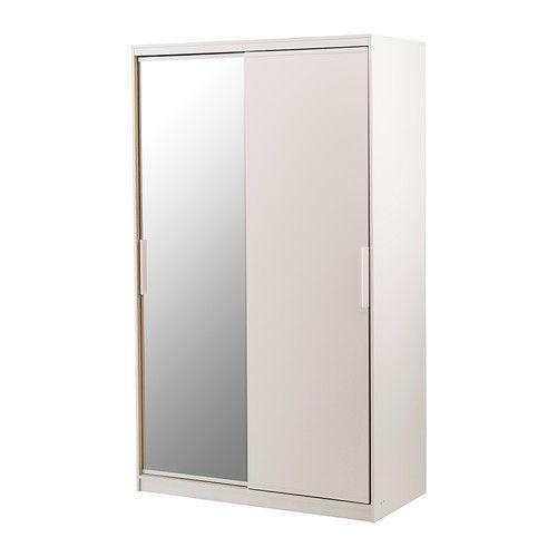 IKEA - MORVIK, Garderobekast, wit/spiegelglas, , Met schuifdeuren heb je meer ruimte voor meubels omdat ze geopend geen ruimte in beslag nemen.Een spiegeldeur is plaatsbesparend omdat je geen wand- of vloeroppervlak nodig hebt voor een aparte spiegel.De planken zijn verstelbaar en daardoor is de ruimte eenvoudig naar behoefte aan te passen.Met opbergers uit de serie SKUBB en GARNITYR kan je de binnenkant netjes op orde houden.