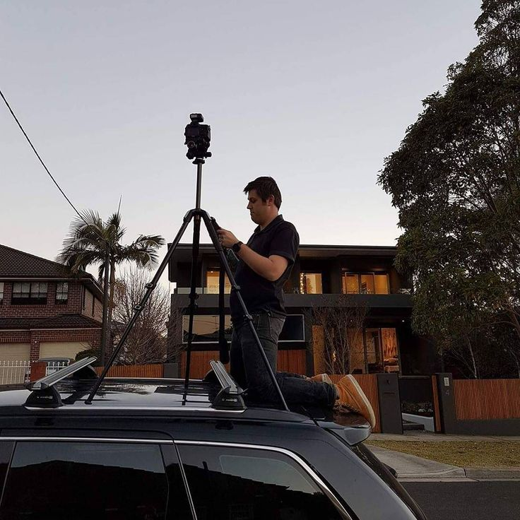 The lengths I go to to get that perfect shot for a perfect property. Poor Jeep lucky they are built tough! #jeep #jeepgrandcherokee #canon #manfrotto #photography #duskphotography #realestate #realestatephotography #sydneyproperty #strathfield #milliondollarlisting #jvrphoto #richardsonandwrench
