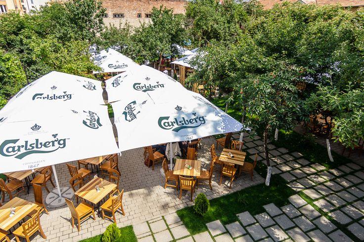 Cauţi un loc răcoros în mijlocul oraşului? Grădina Livada este deschisă!