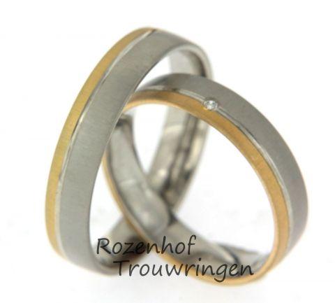 Deze mooie trouwringen zijn uitgevoerd in wit- en roodgoud met een breedte van 4,5 mm. In de damesring bevindt zich één prachtige diamant van 0,01 ct. Deze diamant is briljant geslepen. De ringen zijn leverbaar in 9, 14 en 18 karaat goud.
