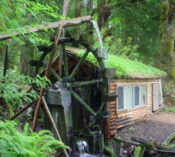 Power a house using a waterwheel  -by TECHSTAR	 on NOVEMBER 19, 2010 - 28 Comments	 in ENERGY, OFF-GRID 101