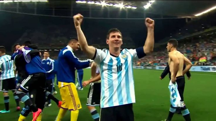 God talks to Messi | Spanish #notevayaslio