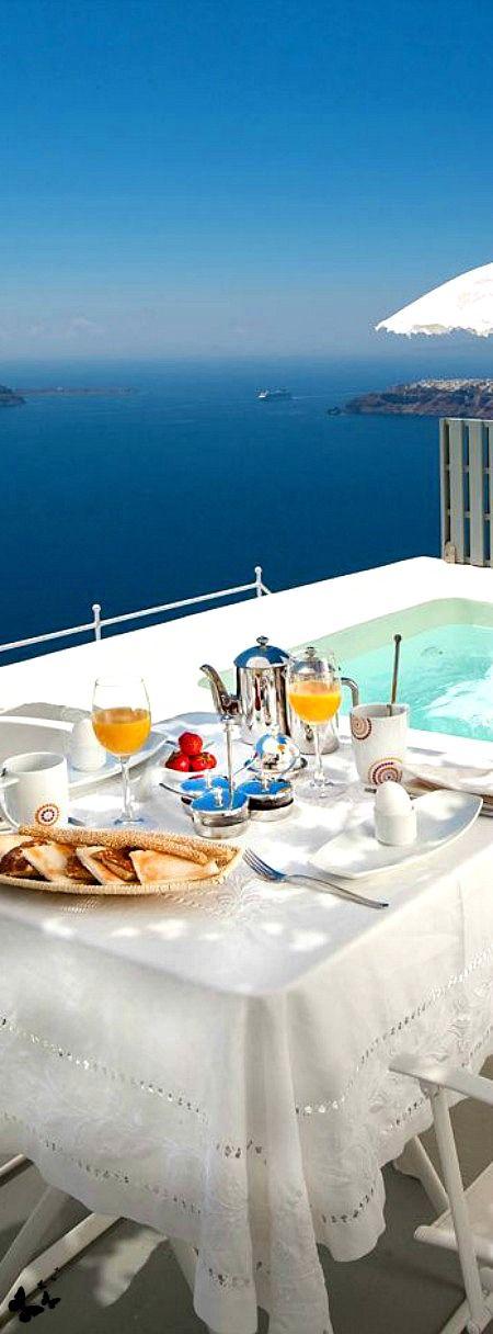 Travelling - Santorini, Greece. My favorite place!!! Simply amazing!
