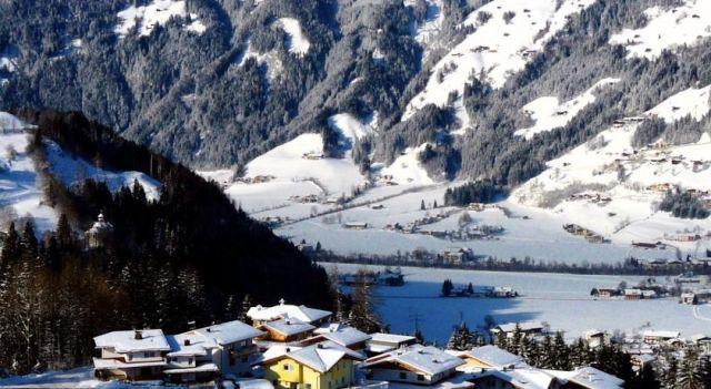 Ferienwohnungen Silvana - #Apartments - $75 - #Hotels #Austria #ZellamZiller http://www.justigo.co.za/hotels/austria/zell-am-ziller/ferienwohnungen-silvana_43633.html