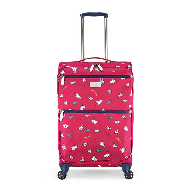 Style meets practicality with this Paper Trail softside suitcase from Radley. With a lightweight aluminium trolley system and four smooth rolling spinner wheels manoeuvring this suitcases is easy. Thi
