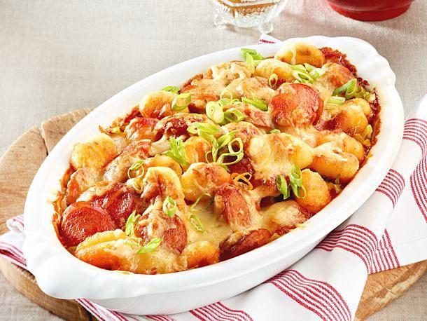 Rasanter Currywurst-Gnocchi-Auflauf Rezept | LECKER