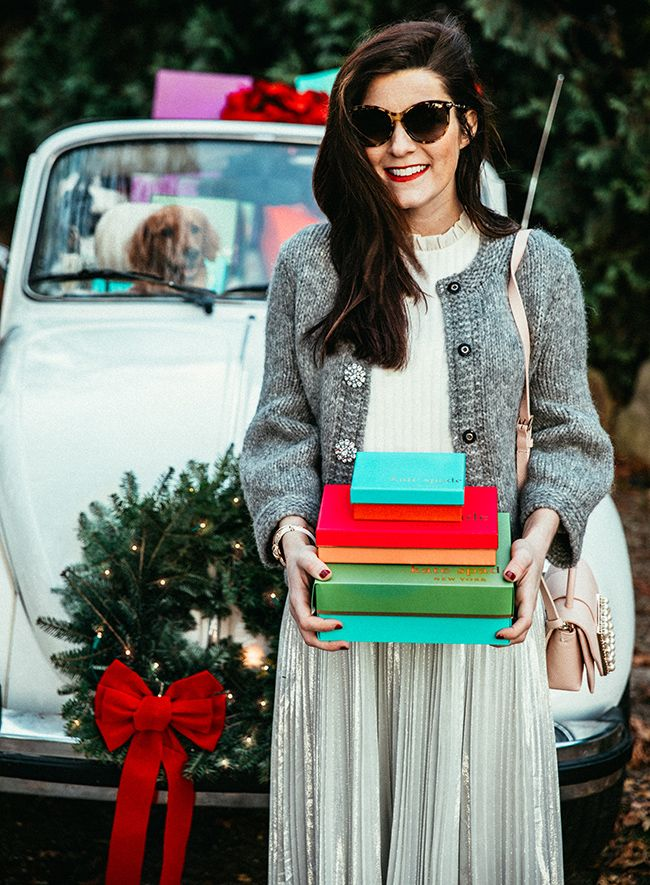 Classy Girls Wear Pearls: Holiday Shopping Bug