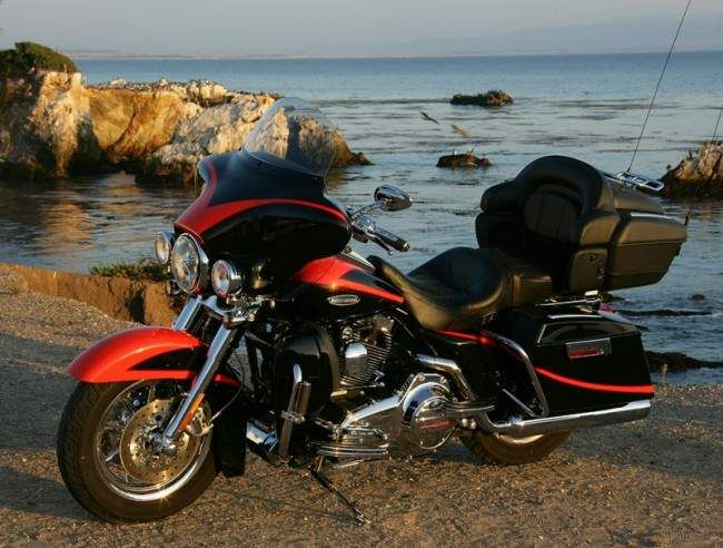 FLHTCUSE2 Ultra Classic Electra Glide Screamin' Eagle CVO, 2007