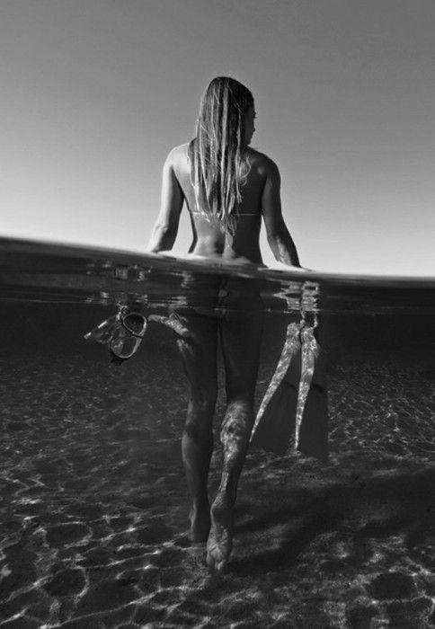 SNORKELLLL: Beaches Life, The Ocean, Scubas Diving, Black White, Underwater Photography, Sea, Summer Lovin, Summer Fun, Beaches Girls
