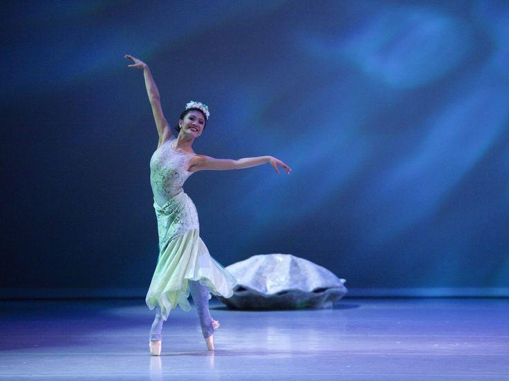 Fancy Nancy and The Mermaid Ballet (+ Ticket Giveaway!)