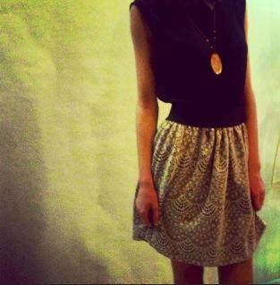 Teapot ✦ Beige lace skirt