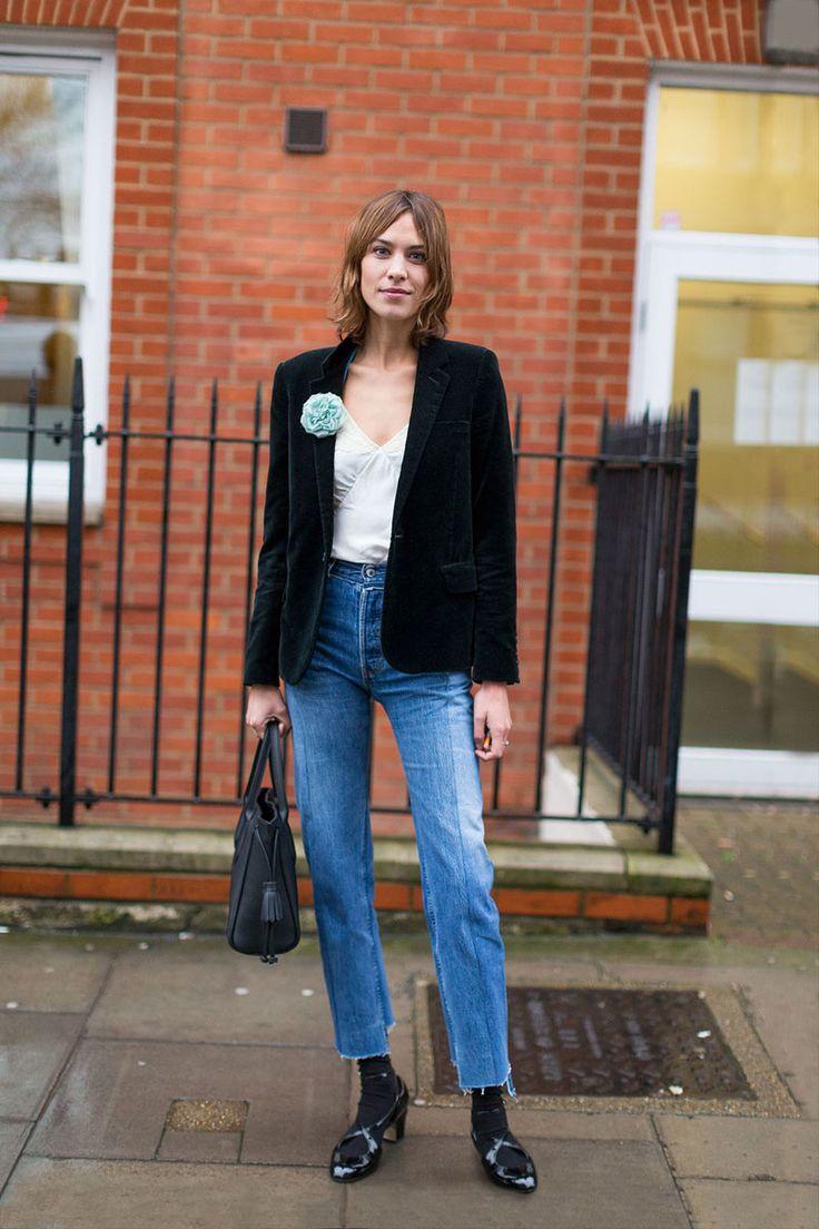Alexa Chung - Emilia Wickstead show @ London Fashion Week. (20 February 2016)