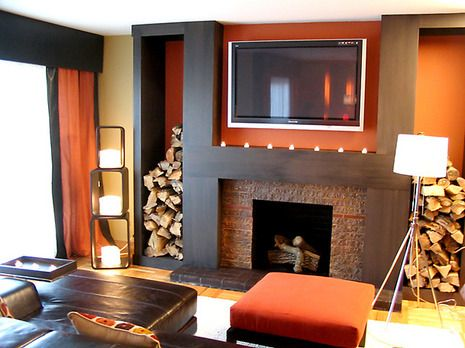 I'm in love with the way they used a warm palate with such modern lines to keep the space looking fresh and cozy and the same time. I love it! Hclrs107_fireplace_w609