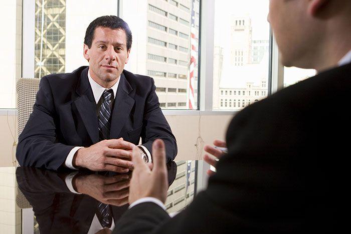 Przygotuj się do rozmowy kwalifikacyjnej   Rozmowa kwalifikacyjna często przesądza o tym, czy dostaniemy daną pracę, czy też nie. Dlatego bardzo ważne jest, żeby dobrze się do niej przygotować. Nasza wiedza i doświadczenie to jedno, ale oprócz dobrego CV potrzebujemy też właściwego PR, swoistego przygotowania do tego, jak rozmawiać z rekruterem.