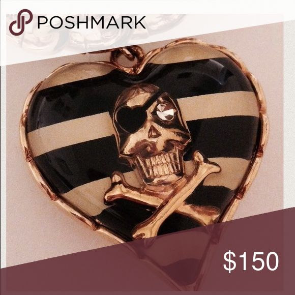 Betsey Johnson skull stretch bracelet gold pirate Vintage gold colored chain stretchy bracelet pirate skull candy with rhinestone Lucite heart with black and white stripes punk rock goth betsey Johnson jewelry bracelet charm bj store pre-bankruptcy Betsey Johnson Jewelry Bracelets