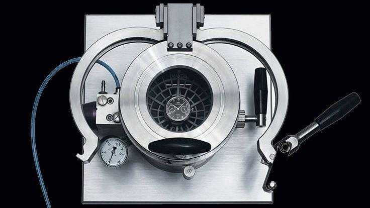 """Wasserdichte Uhren: Das steckt wirklich hinter einer """"wasserdichten Uhr"""" http://www.focus.de/finanzen/uhren/wasserdichte-uhren-das-steckt-wirklich-hinter-einer-wasserdichten-uhr_id_4357749.html"""