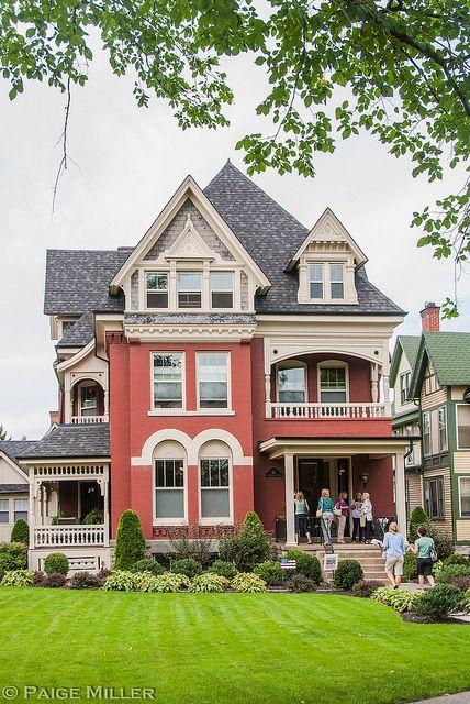 Old Home At Symphony Circle In Buffalo Ny Victorian