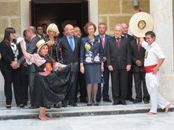 La reina, el primer miembro de la familia real en llegar a Palma para la Semana Sant …   – Gente
