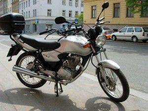 Kdo by nechtěl řidičák na malou motorku? Nikdo. Udělejte si řidičský průkaz v naší autoškole Ing. MIlana Kubise - autoškola Brno, a budete mít jistotu.