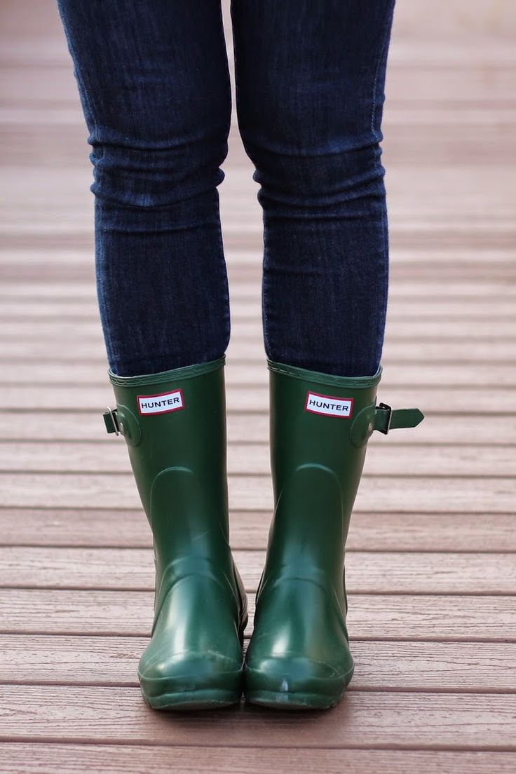 short hunter boots, the green ones are so classy, yes I think I have a wellie obsession.