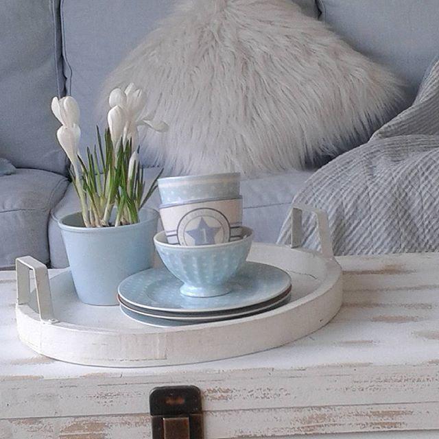 Die besten 25 hellblaues zimmer ideen auf pinterest - Bunte gartenhauser ...