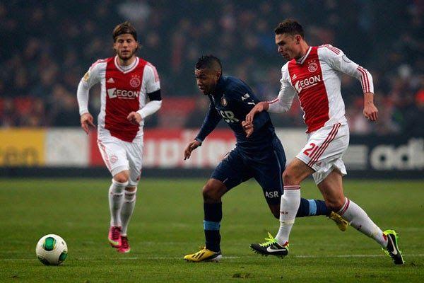 Banh 88 Trang Tổng Hợp Nhận Định & Soi Kèo Nhà Cái - Banh88.infoKèo Nhà Cái W88 - Nhận định Feyenoord vs Ajax 19h30 ngày 22/10: Chiến đấu vì sự tự tôn  Nhận định bóng đá hôm nay soi kèo trận đấu Feyenoord vs Ajax 19h30 ngày 22/10vòng9giải VĐQG Hà Lan sânStadion Feijenoord.  Giải VĐQG Hà Lan mới chỉ đi qua 8 vòng đấu vì vậy cuộc đối đầu giữa Feyenoord và Ajax ở thời điểm hiện tại không mang quá nhiều ý nghĩa với cuộc đua vô địch nhưng chắc chắn 90 phút sắp tới vẫn sẽ vô cùng hấp dẫn bởi cả 2…