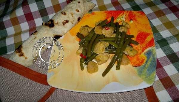 Cornettti piccanti al limone con bocconcini di soia aromatica http://www.lapulceeiltopo.it/forum/ricette-secondi-alternativi-e-vegetariani/2185-cornettti-piccanti-al-limone-con-bocconcini-di-soia-aromatica#3041