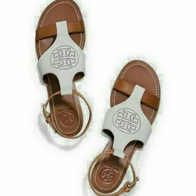 I'm selling tory burch flat sandals for ₱690.00. Get it on Shopee now!http://shopee.ph/christheltells/3976353 #ShopeePH