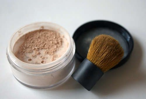 make your own mineral makeup!
