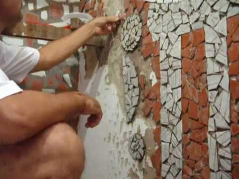 Resultado de imagem para muros decorados com restos de granito