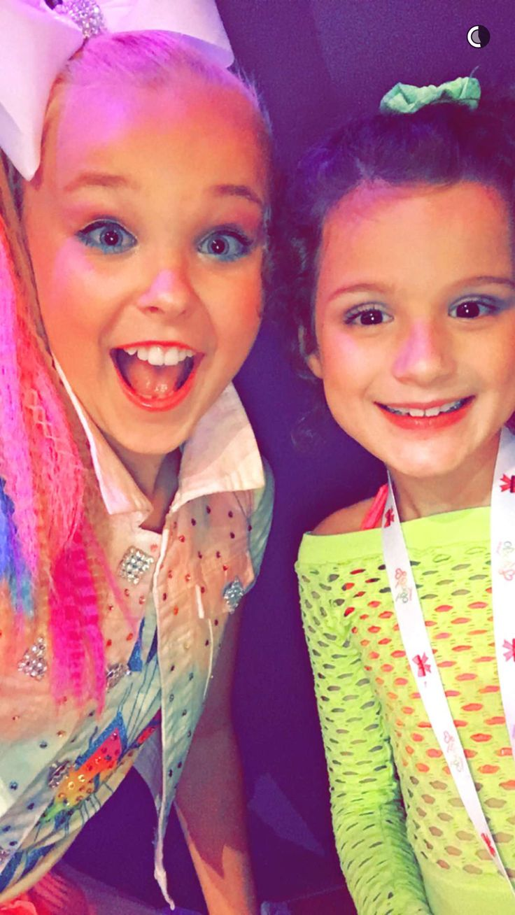 Jojo siwa with Hayley from Bratayley ❤️