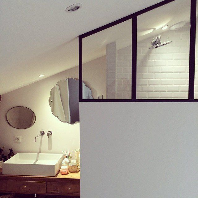 1000 id es sur le th me plan maison etage sur pinterest for Salle de bain epuree