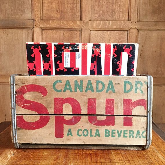 VINATGE WOOD CRATE, CANADA DRY SPUR COLA WOODEN CRATE, VINYL RECORD STORAGE  Fabulous 1940s Spur Cola crate. So many uses! Lengthwise, it fits