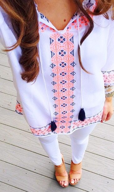 Lilly-esque tunic and Tory Burch wedges = Perfect summer pairing #addwine #orchamps