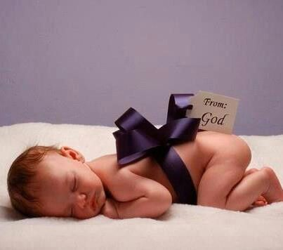 Cute pic idea for baby's 1st photo shoot