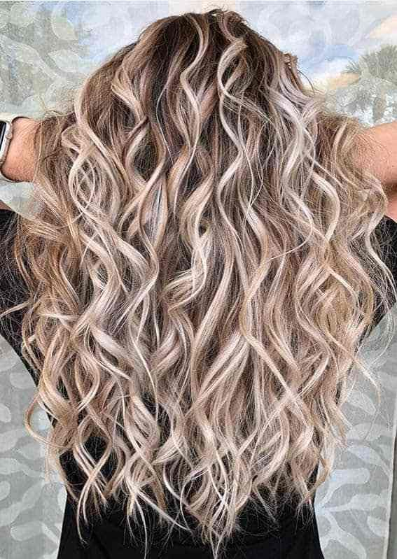 Awesome Long Curls With Balayage Highlights For Women 2020 In 2020 Long Hair Styles Hot Hair Styles Wig Hairstyles