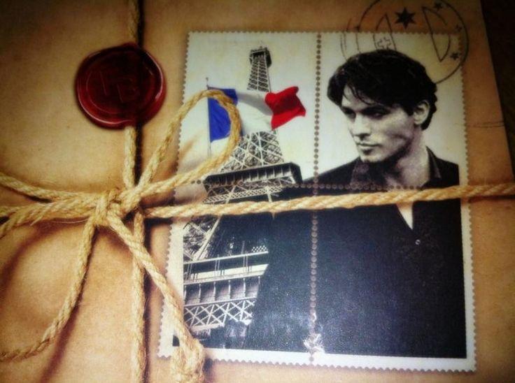 Detalle portada Caballo de Fuego: Paris.  Ese sello con la imagen de Eliah Al Saud, vale millones