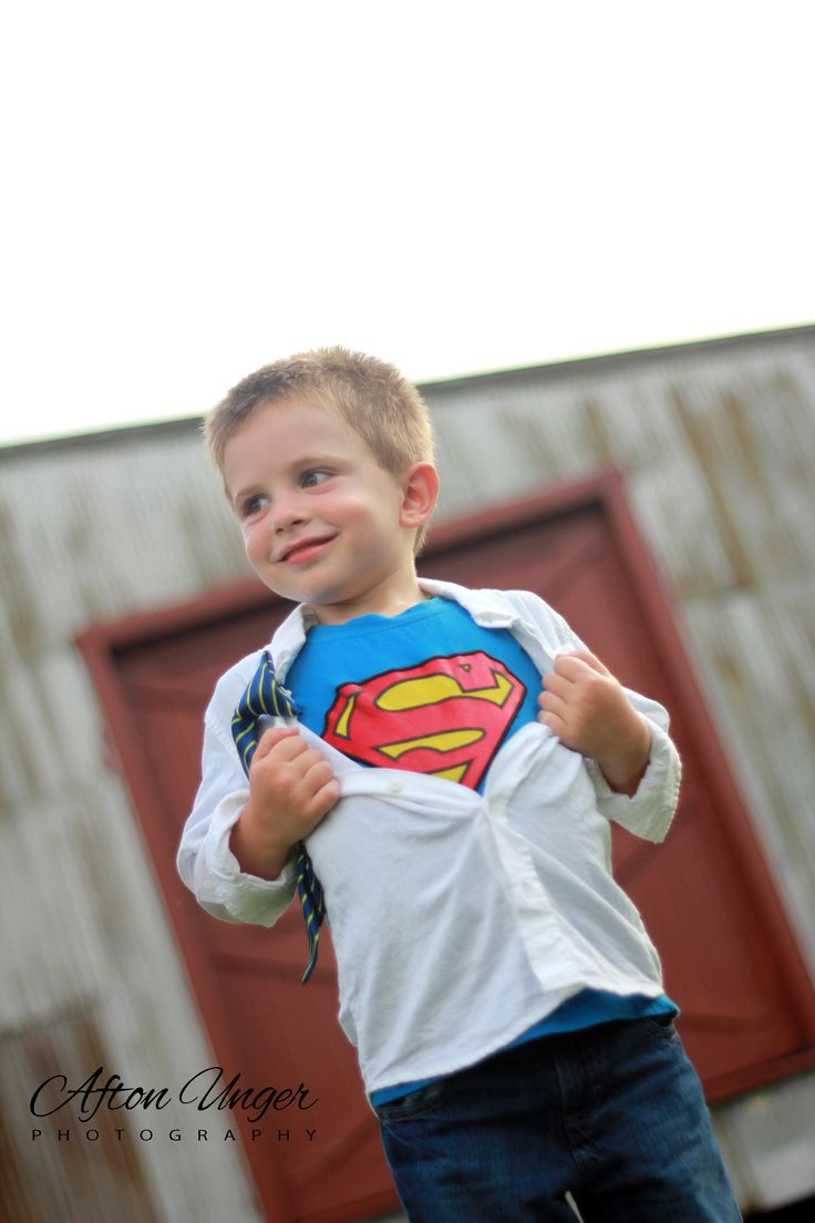 Little boy superman photo session - so fun!!! Maybe for like his 5th birthday!