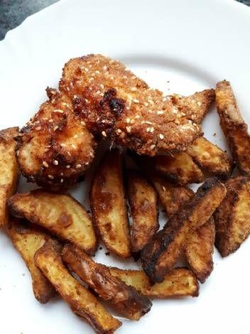 Tepsis rántott csirke, sült krumplival