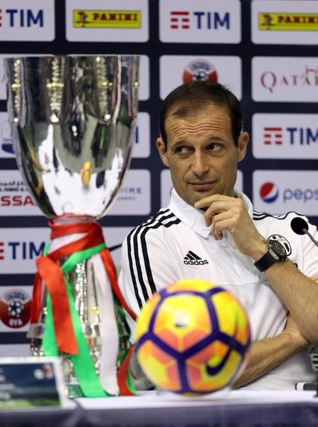 Juventus' Italian head coach Massimiliano Allegri attends a press conference in the Qatari capital Doha on December 22, 2016, on the eve of the Final of the Italian Super Cup between AC Milan and Juventus. / AFP / KARIM JAAFAR