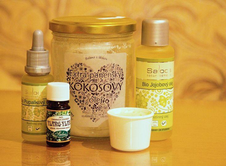 Přísady na medový balzám na rty - pupalkový olej, jojobový olej, kokosový olej, éterický olej Ylang-ylang