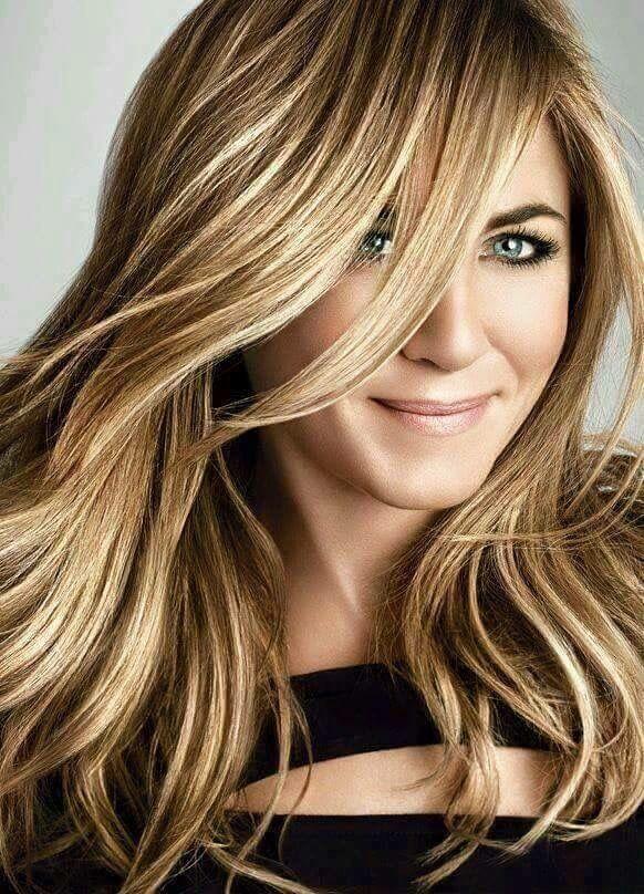 Pag 46 - Jennifer Aniston será MONICA TRAMELL BARKER MITCHEL STANTON.