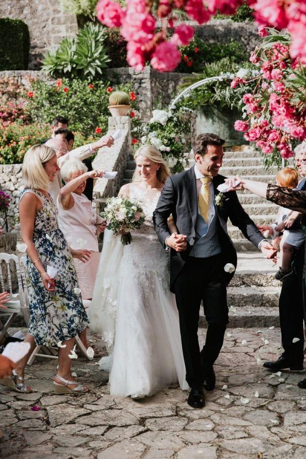 Finca Son Berga Wedding Confetti Shot By Aimee K Photography In 2020 Wedding Photographers Wedding Confetti Unplugged Wedding