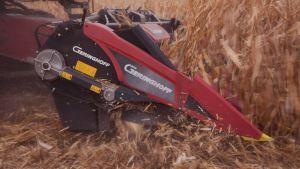 John Deere und Geringhoff haben im Rahmen einer Marketingvereinbarung festgelegt, dass John Deere über seine Niederlassungen in der Region 2* künftig Maispflückvorsätze der Marke Geringhoff für John Deere-Mähdrescher vertreiben wird.