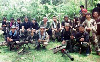 """KIBLAT.NET, Jakarta – Kelompok Abu Sayyaf akhirnya membebaskan negara Indonesia (WNI) yang telah disandera selama lebih dari sebulan. Badan Intelijen Negara (BIN) membenarkan pembebasan 10 orang sandera itu. """"Iya betul (10 WNI dibebaskan Abu Sayyaf) karena dari laporannya seperti itu,"""" kata Kapala BIN Sutiyoso, Ahad (01/05). Bang Yos mengungkapkan bahwa para WNI itu saat ini …"""